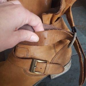 Steve Madden Shoes - Size 9 Steve Madden Cognac Brewzzer Boots
